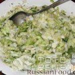 Рецепт: Салат из свежей капусты с огурцами — По домашнему