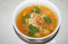 Рецепт: Суп из консервированной рыбы — с рисом и картофелем