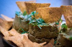 Паста из авокадо с зеленым горошком, яйцом и овощами, рецепт с фото пошагово и видео