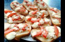 Горячие бутерброды с курицей и сыром сулугуни в духовке, рецепт с фото и видео
