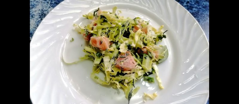 Салат с молодой капустой, огурцом, помидором и зеленью, рецепт с фото и видео