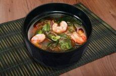 Мисо-суп с морепродуктами и рисовой лапшой, рецепт с фото и видео
