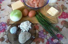 Рецепт: Куриные котлеты с начинкой — С сыром, яйцом и зелёным луком.