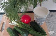 Рецепт: Салат из свежих овощей с тертым огурцом — с тертыми огурцами