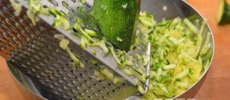 Рецепт: ПП маффины с кабачком — По-домашнему, в духовке