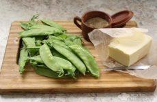 Рецепт: Стручковый горох обжаренный — Лёгкий гарнир или быстрый салат