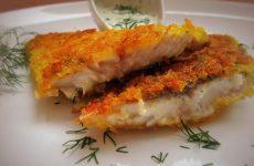 Сельдь жареная в хрустящей панировке с имбирно-чесночным соусом