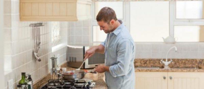 Десять очень легких блюд, которые приготовит даже неопытный мужчина