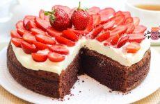 Нежнейший шоколадный клубничный торт
