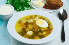Щавелевый суп с яйцом.