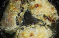 Рецепт: Котлеты мясные с грибной начинкой — самые любимые!