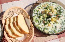 Окрошка на сыворотке с куриным филе, картофелем и огурцами, рецепт с фото и видео