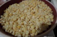 Рецепт: Гороховый суп на куриной косточке — густой (2 варианта: диетический и «для мужа»)