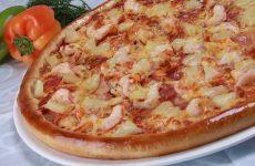Пицца с креветками и куриной грудкой, рецепт с фото