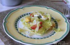 Рецепт: Салат весенний «Витаминный» — с яйцом и семечками