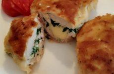 Рецепт: Конвертики из куриного филе — с сыром и зеленью