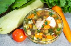 Летний суп из кабачков с курицей без картошки