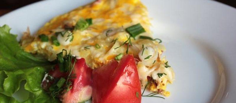 Рецепт: Быстрая картофельная запеканка — в сковороде.