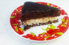 Шоколадный торт «Баунти» с кокосовой начинкой