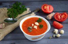 Суп из жаренных с чесноком томатов