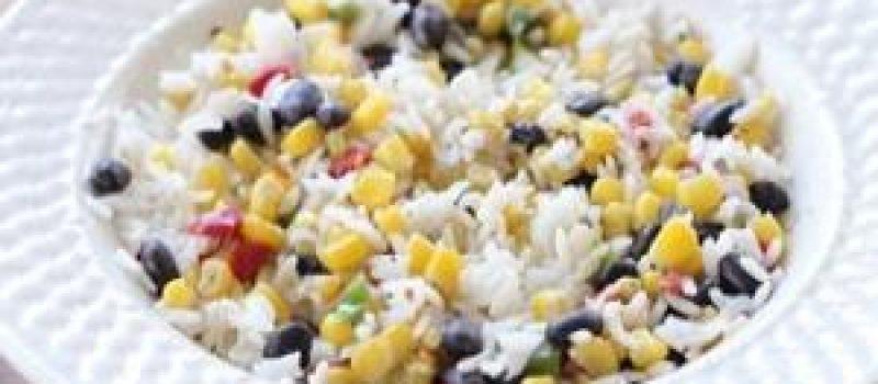 Салат из риса с фасолью