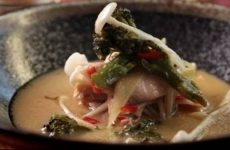 Мисо-суп с лососем и грибами эноки, рецепт с фото