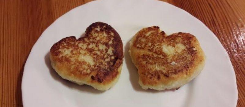 Рецепт: Сырники — В день святого Валентина — сердечками
