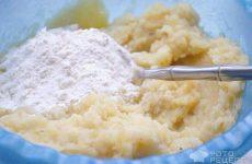 Рецепт: Картофельные блинчики «Румяные» — с капустно-морковной начинкой