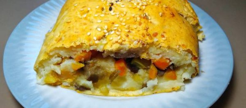 Картофельный рулет с овощами в духовке, рецепт с фото и видео