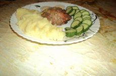 Рецепт: Мясные «черепахи» — «и вкусно и красиво — из домашнего фарша и венских сосисок»
