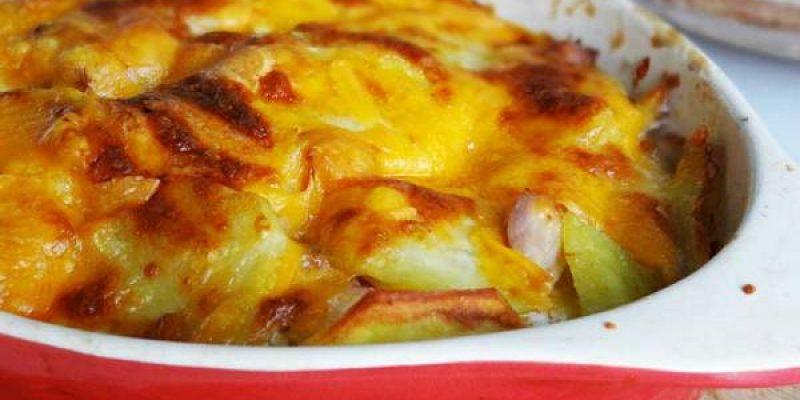 Картофельная запеканка с копченой курицей