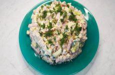 Салат Неженка с ветчиной, сыром и огурцами, рецепт с фото пошагово и видео