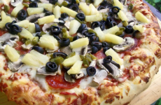 Гавайская пицца с грибами, курицей и ананасами, рецепт с фото и видео