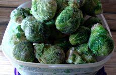 Рецепт: Брюссельская капуста с курицей — С отварным филе и овощами.